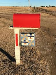 Best 25+ Barn quilts ideas on Pinterest | Barn quilt patterns ... & Mailbox quilt.. I like the idea of little wood