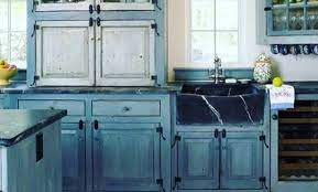 40 Tacky Kitchen Decor Mistakes Main Image