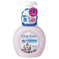 <b>Kirei Kirei</b> Anti-bacterial Foaming Hand Soap Caring Berries, 250ml ...