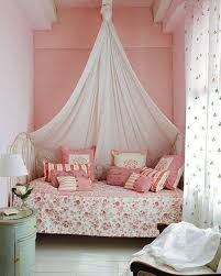 Simple Design For Small Bedroom Simple Small Bedroom With Canopy Bed And Polka Dot Black White