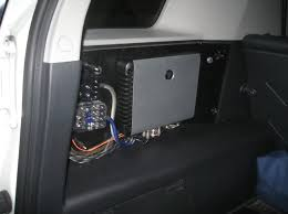 xlynoz fj cruiser install revised page car audio i m still need to space out the amp to get it to be almost flush the face of the amp rack i m waiting for that mdf board to take it s final