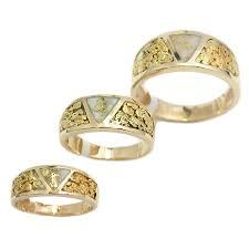 gold bearing quartz and nugget bands