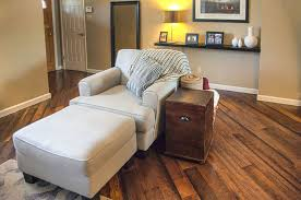 2018 wood flooring trends 21 trendy flooring ideas discover the hottest colors textures