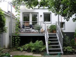 Bei deinbalkon.de kannst du ganz einfach deinen balkon konfigurieren, bestellen und selbst aufbauen.damit bei der montage nichts schief gehen kann, bekommst du von uns eine aufbauanleitung, die dich schritt für schritt durch den aufbau deines. Balkone Treppen Sohnchen Gmbh