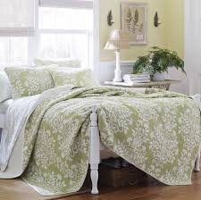 Quilts & Quilt Sets You'll Love | Wayfair & Rowland 100% Cotton Coverlet Set by Laura Ashley Home Adamdwight.com