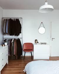Das Minimalistisch Eingerichtete Schlafzimmer Von Community Mitglied