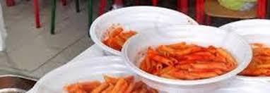 Risultati immagini per piatti e posate plastica