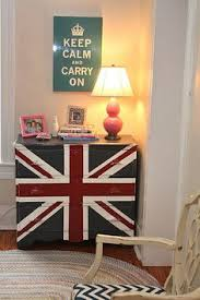 Union jack furniture Minimalist Union Jack Myoldcountryhouseblogspotcom Smittenbybritainco British Themed Rooms Pinterest 283 Best Union Jack Furniture Images British People Furniture