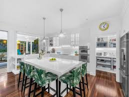 Beautiful hampton style kitchen designs ideas White Hamptons Style Doesnt Have To Be Boring Just Take Cues From This Exquisitely Finished Home Picture Realestatecomaubuy Realestatecomau 10 Amazing Hamptonsstyle Homes Realestatecomau