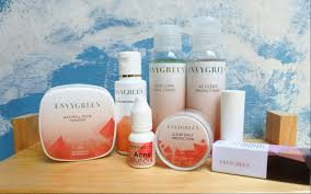 Untuk sehari hari, kalian cukup pake uv tint, powder lotion dan bedak tabur lain (kalau memang menurut. Review Lengkap Envygreen Acne Care Daretochange By Indonesian Beauty Blogger