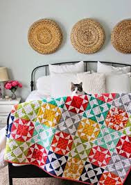 Best 25+ Colorful quilts ideas on Pinterest   Quilt patterns, Half ... &