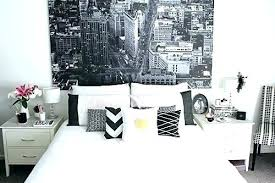 Black White And Gold Bedroom Idea White And Gold Wall Decor For Gold ...