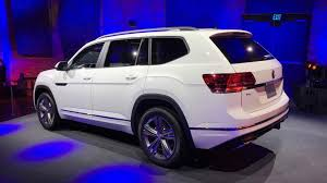 2018 volkswagen atlas r line. the car certainly looks and feels quite remarkable with r-line package. in fact, it seems like volkswagen gave a bit of spirit character. 2018 atlas r line