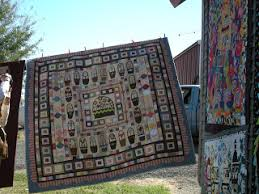 Quilty Folk: A Few Buggy Barn Quilt Show Pictures & I've seen this quilt before, but I just love the baskets! Adamdwight.com
