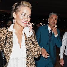 Rita ora, tessa thompson and taika waititi get close in sydney. Rita Ora And Taika Waititi Fuel Romance Rumors After Attending Event E Online