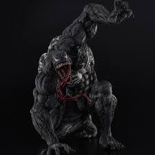 ヴェノムその凶悪さを生々しく表現 全高40cmの巨大ソフビフィギュア