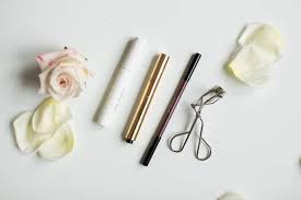 9 best natural makeup brands