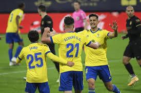 WATCH: Barcelona trail 1-0 at half time in Cadiz - Football Espana