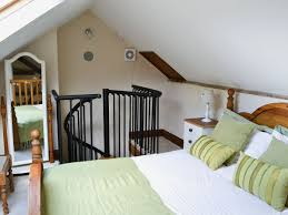 Mezzanine Bedroom Whats Included With This Norfolk Holiday Cottage Farm Workshop