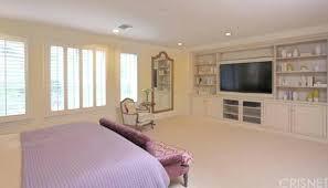 kylie jenner bedroom set kylie living room bedding like urban outfitters bedroom makeup timothy mirror kylie jenner bedroom furniture