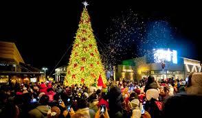 Outside Christmas Lights Make Christmas Memorable With Giant Outdoor Christmas Lights
