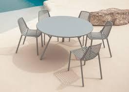 rasse round garden table