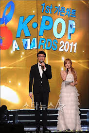Gaon Chart 2011 Mc Taeyeon 1st Gaon Chart K Pop Awards S Neism Photo