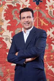 cyrus bonakchi is an entrepreneur and fourth generation persian carpet merchant world travel and exposure to many cultures profound taste for all things