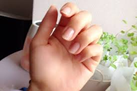 なんか汚い気になる爪周りのセルフケアの要注意ポイント