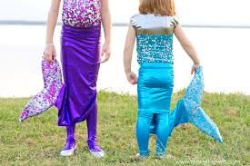 diy mermaid costume with a repositionable fin via make it and love it