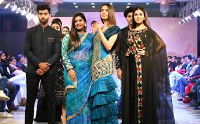 Famous Designs By Fashion Designers An Interview With Fashion Designer Nikita Nayak Himalayan Buzz