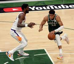 Milwaukee Bucks vs. Phoenix Suns in ...
