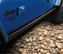 Rock Rails Black Powdercoated Steel By Mopar 2018 Wrangler Jlu 4 Door Wrangler Jl Wrangler Model Trains