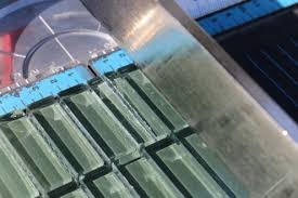 cutting very small glass mosaic pieces