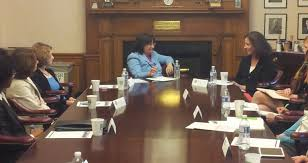 this morning congresswoman annie kuster nh 02 continued her women s economic agenda listening tour with a roundtable discussion about the issues facing