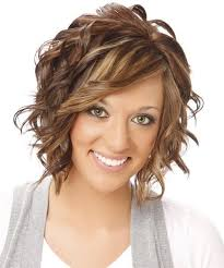 Short Hairstyles For Wavy Hair 7 Wonderful Medium Hair Styles For Women Over 24 Oblong Face Formal Medium
