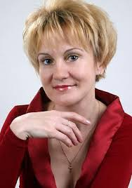 long hairstyles for 60 plus short haircut for women over hairs picture gallery