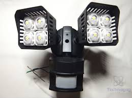 each side has four rather large leds in it and combined it s supposed to be the equivalent of 250 watts or it s rated at 3000lm the light is rated for