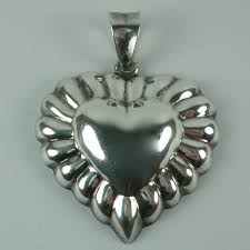 vintage sterling silver puffy heart pendant to expand