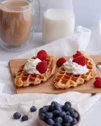 Croffle Recipe (Easy Croissant Waffles) - MANGO'S HOME KITCHEN