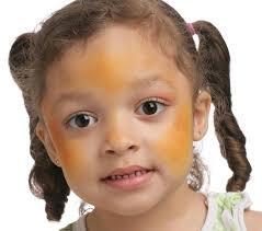 grimtout maquillage à l eau coccinelle étape 1