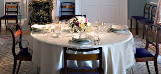 round table setting