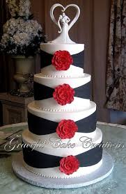Elegant White And Black Wedding Cake With Red Roses In 2019