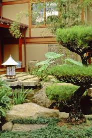Terrace and Garden: Small Japanese Courtyard Garden Design - Japanese  Courtyard