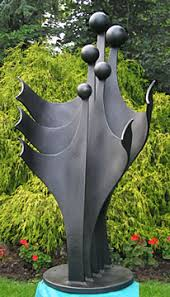 garden sculpture. Garden Sculpture In Metal Of A Family, Figurative Abstract Sculpture. \ T