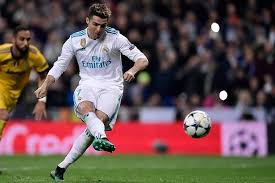 The goal, juventus fans applauding, ronaldo's bow to the crowd. Ucl Second Leg Real Madrid Vs Juventus Cristiano Ronaldo Image Cristiano Ronaldo Ronaldo Real Madrid
