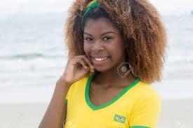 狂気の髪型と美しいブラジルの女の子 の写真素材画像素材 Image 49742058
