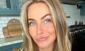 Julianne Hough stuns in flirty birthday ...