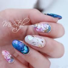Mieko Hiramatsuさんのネイルデザイン フラワーネイル大理石ネイル