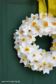 Daffodil Paper Flower Pattern 10 Paper Flower Wreaths You Can Diy